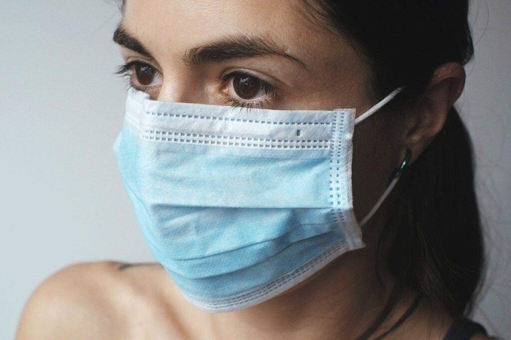 Israel se despede de máscaras