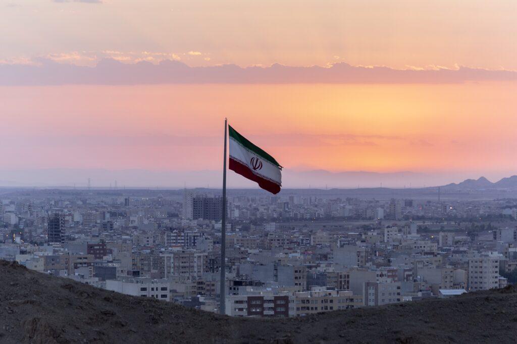 Irã se prepara para ataque aéreo?